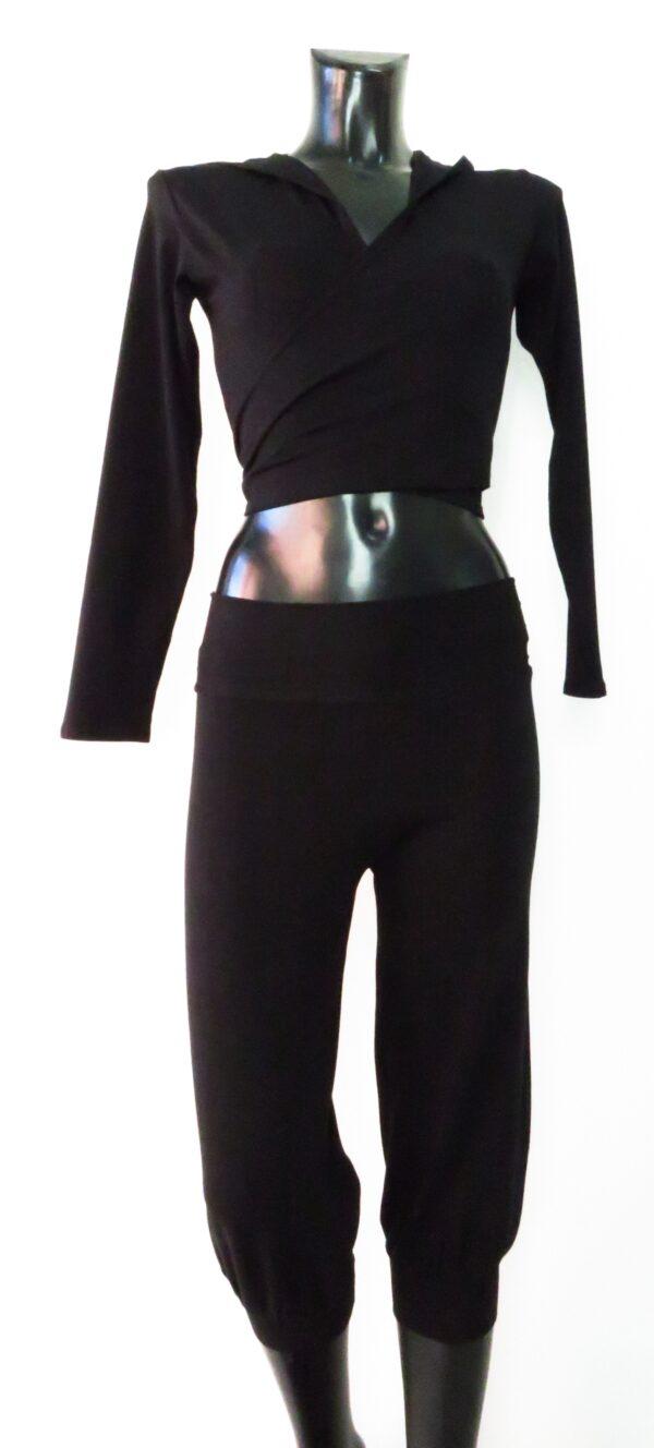 pantalone corto fitness con polso 5910 & Maglia incrocio con cappuccio 46069